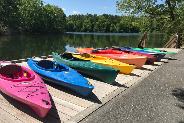 different color kayaks